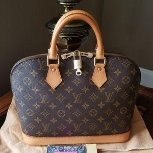 Louis Vuitton Bags - Authentic Louis Vuitton Monogram Alma PM